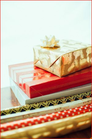 The Gift that Keeps On Giving - Gift Wrapped - Buy Christian Books & Gifts Online here
